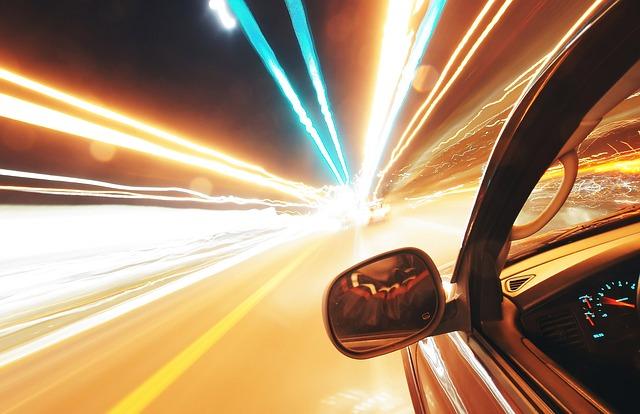 světla před autem