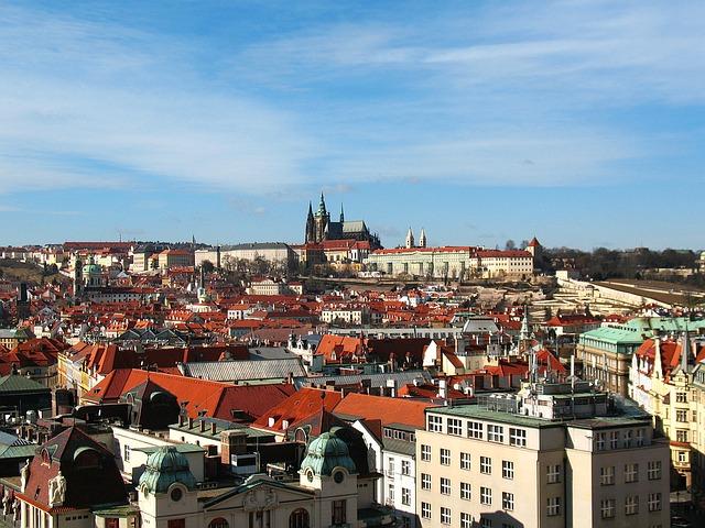 panorama Hradčan a Pražského hradu.jpg